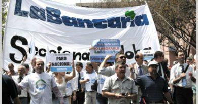 """La """"Bancaria"""" logró un aumento de hasta $ 10.500 a cuenta de paritarias."""