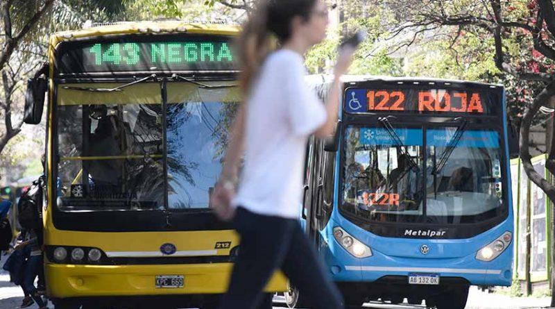 Los choferes levantaron el paro y los colectivos vuelven a circular en Rosario y la región