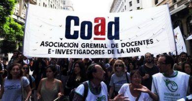 Docentes UNR piden aumento salarial con clausula gatillo trimestral