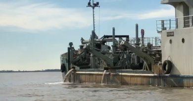 Los portuarios de dragado lograron cerrar su paritaria con casi el 40%