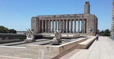 Proponen reactivar las dos fuentes del Monumento