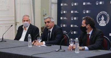 La Universidad Nacional de Rosario presentó la Escuela de Oficios