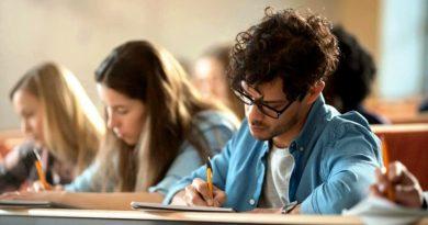 """La UNR amplía su """"Programa de Becas"""" para estudiantes"""