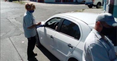 Uber ya funciona en Rosario y secuestraron los primeros vehículos
