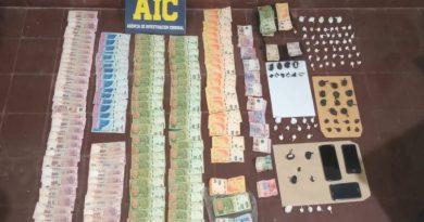 La brigada antinarcóticos de la AIC secuestró 223 gramos de cocaína y detuvo a una persona