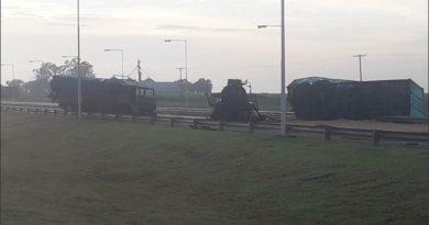 Impresionante choque fatal en la autopista Rosario – Córdoba: hubo una explosión y murió un camionero