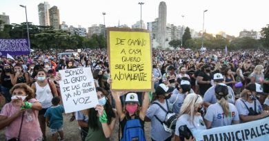 Rosario se manifestó para visibilizar reclamos en el Día Internacional de la Mujer