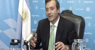 """Soria presidió una reunión sobre trata y la definió como """"una forma moderna de esclavitud"""""""