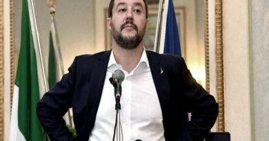 """Italia: Salvini va a juicio por """"secuestrar"""" a los pasajeros de un barco con migrantes"""