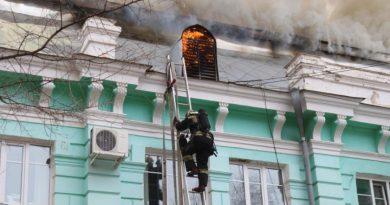 Rusia: Cirujanos realizaron con éxito una operación a corazón abierto en un hospital en llamas