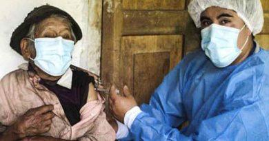 Perú: Tiene 121 años y fue vacunado contra el coronavirus en su casa de la selva central