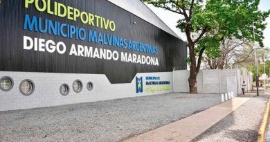 La Provincia montó un hospital de campaña en el polideportivo Maradona para sumar camas.