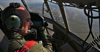La Fuerza Aérea practicó en Rosario un desfile de aeronaves y brindó un espectáculo