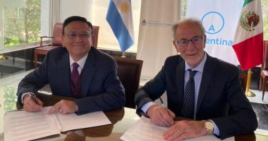Argentina alcanzó un acuerdo para vender lácteos y maquinaria agrícola a México
