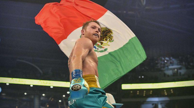Canelo Álvarez y Caleb Plant se agarraron arriba del escenario: la frase del mexicano que anticipó el incidente