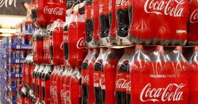 Kiosqueros rosarinos advierten caídas de ventas por faltante de una línea de gaseosa