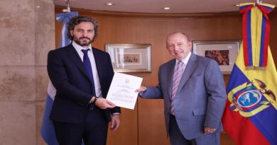 El canciller Cafiero recibió las copias de las cartas credenciales del nuevo embajador de Ecuador